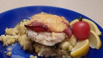 Ryba zapiekana z kaszą jaglaną i serem