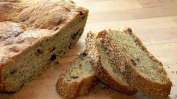 Chleb z pieprzem i figami