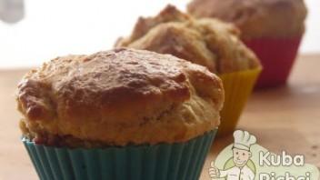 Muffiny drożdżowe z truskawkami