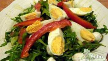 Sałatka z jajkami, rukolą i mozarellą
