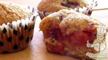 Delikatne muffiny z truskawkami