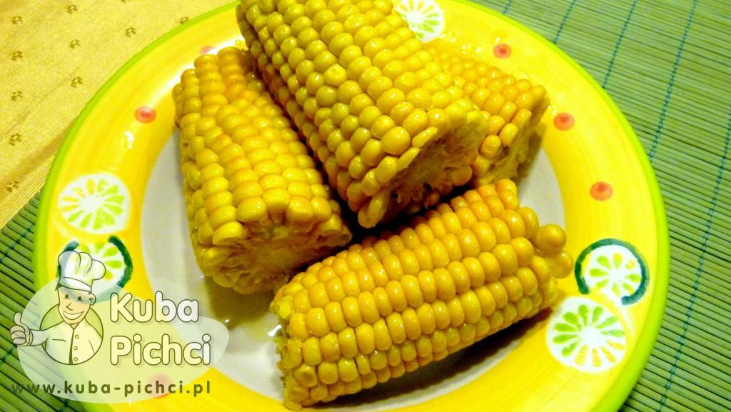 Gotowana kukurydza z masłem