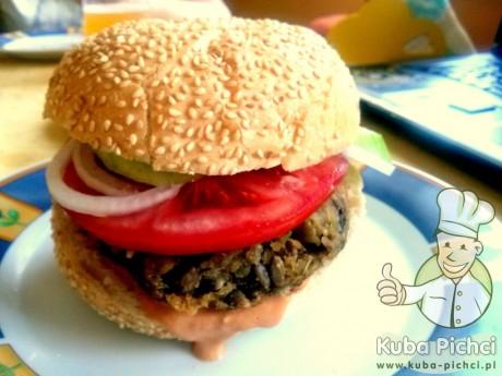 burger z kaszy jaglanej z ziemniakami