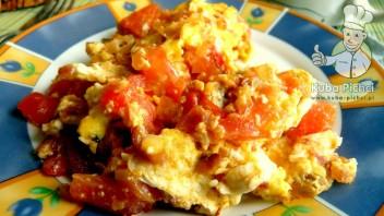 Jajecznica z pomidorami